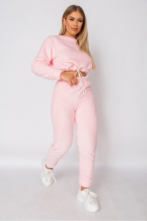 knitwear and Baby Pink Teddy Borg Cropped Top & Jogger Lounge Set at www.amora-shopping.com