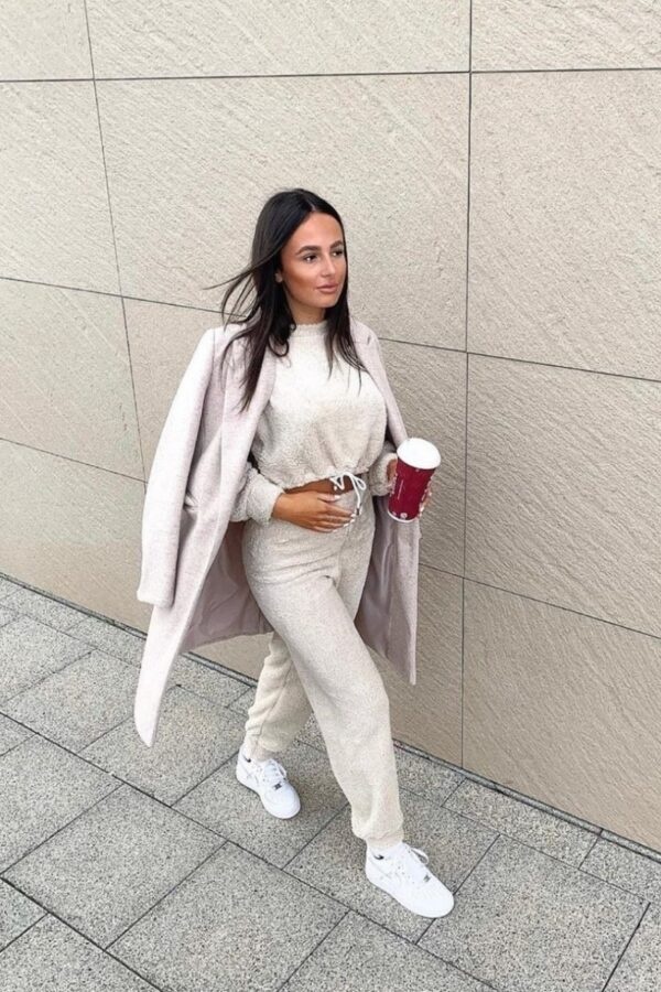 knitwear and Beige Teddy Borg Cropped Top & Jogger Lounge Set at www.amora-shopping.com