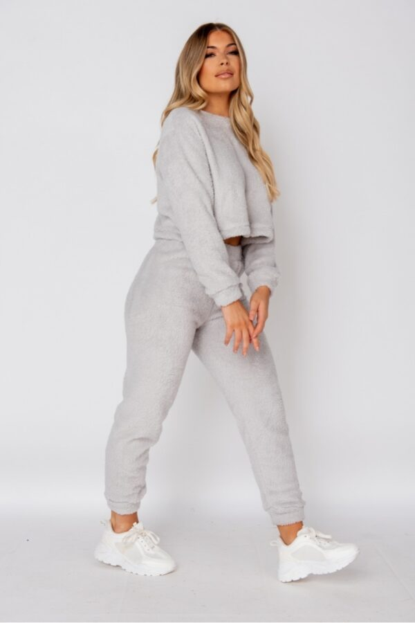 knitwear and Light Grey Teddy Borg Crop Top & Jogger Lounge Set at www.amora-shopping.com