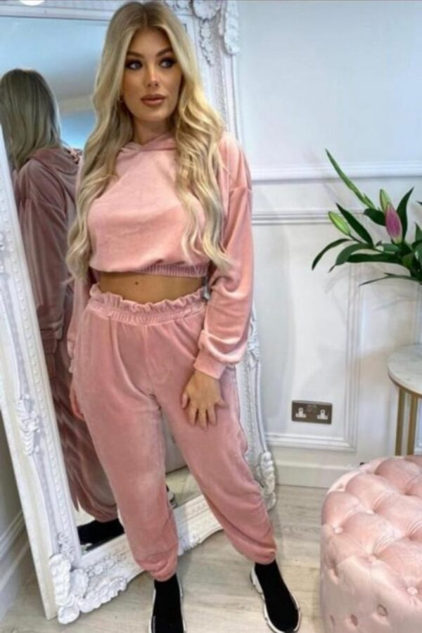 knitwear and Rose Velour Cropped Hoodie & Jogger Lounge Set at www.amora-shopping.com