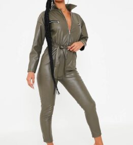 Shop Faux and PU Leather women's clothes at Amora Shopping. Looking to make a statement and show off some trend then get yourself the faux leather- and PU leather look, which is fast becoming this seasons style staple. Get your wardrobe fix with our collection of premium, classy and chic PU leather clothing collection.