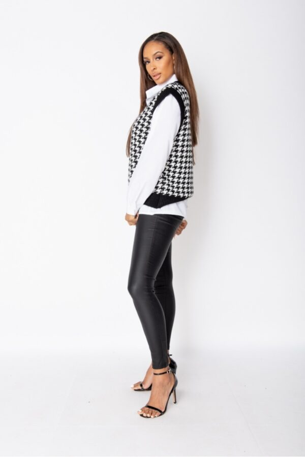 •Shop houndstooth check sleeveless knitted tops