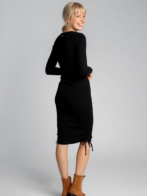 life would be boring. Long or short? The dress can adapt to your expectations