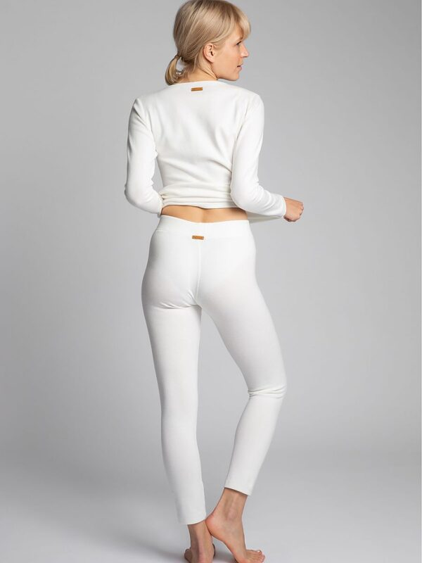and those that are worn like a second skin? If they are made of ribbed cotton that does not puff and the leggings do not push out on the knees