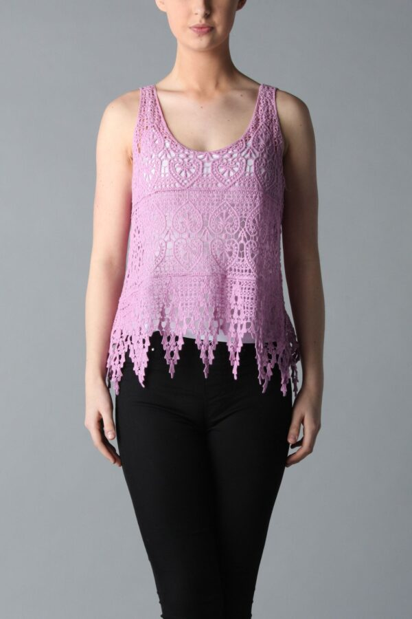 Shop Vintage Lace Tops at www.amora-shopping.com and discover Vintage lace top.
