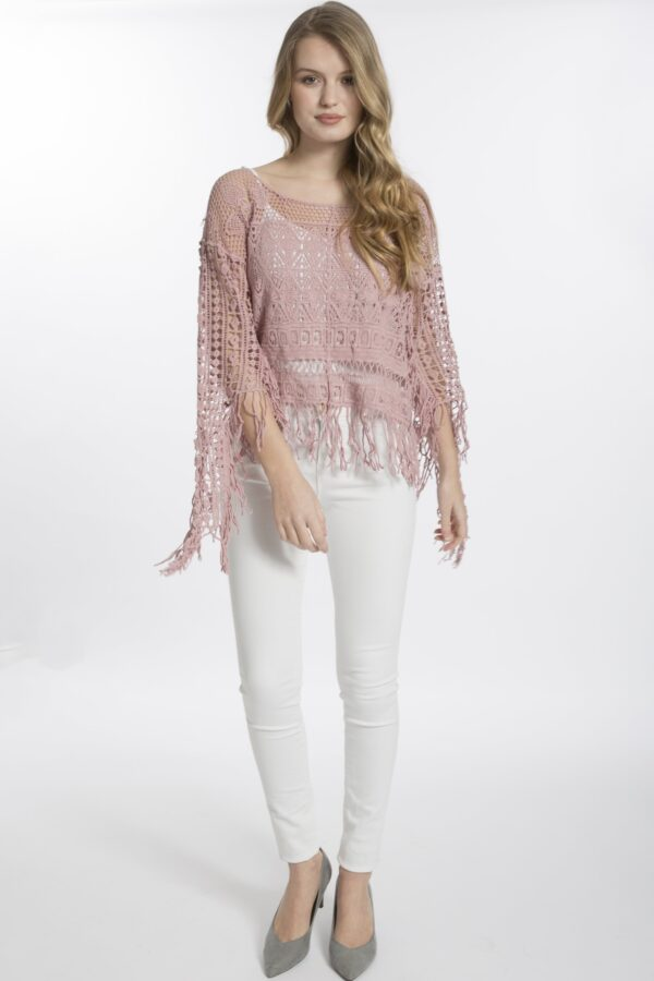 Shop Vintage Lace Tops at www.amora-shopping.com and discover Vintage lace top with long sleeves.