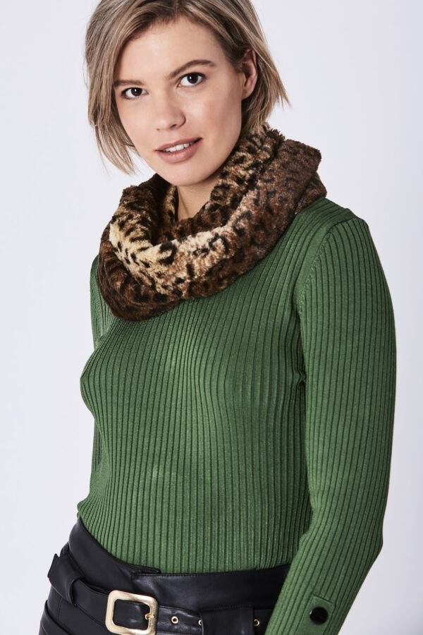 Shop Faux Fur Snoods at www.amora-shopping.com and discover Luxury Faux Fur Snood