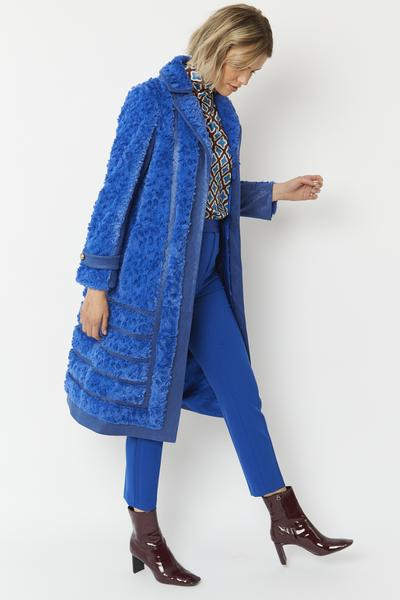 Shop Faux Suede Coat with Faux Fur Panelling at www.amora-shopping.com